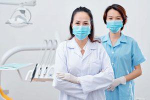 dentist-and-nurse-in-medical-masks-7489FYN (1)